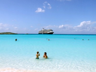 A beautiful scene from the Half Moon Cay beach.